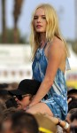 Kate Bosworth seems to be having a great time hanging out with boyfriend Alexander Skaarsgard during day 2 of the Coachella Musice Festival in Indio, Ca