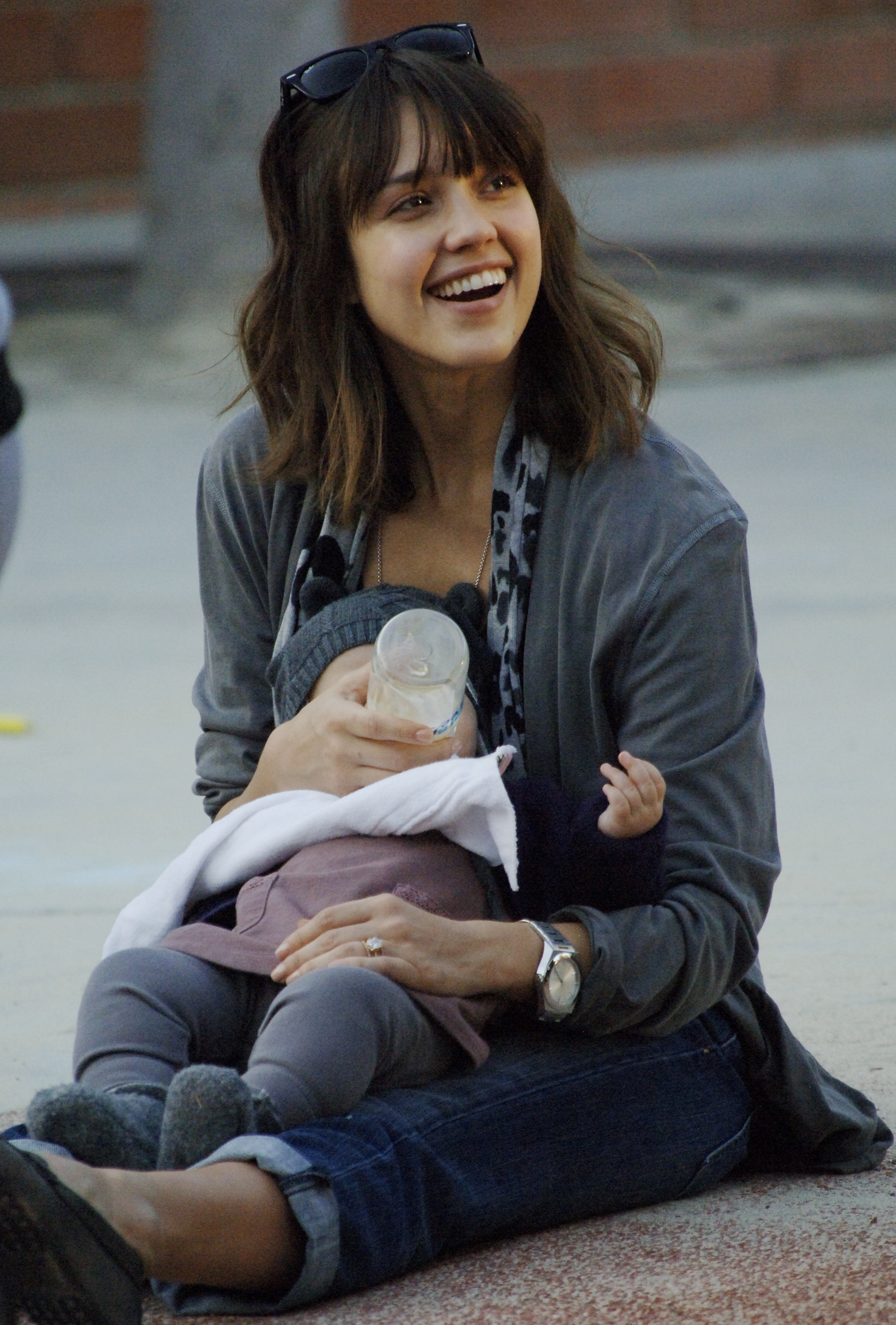 Celeb Candids 33 500x739 Jessica Alba and daughter Honor Marie spend ...