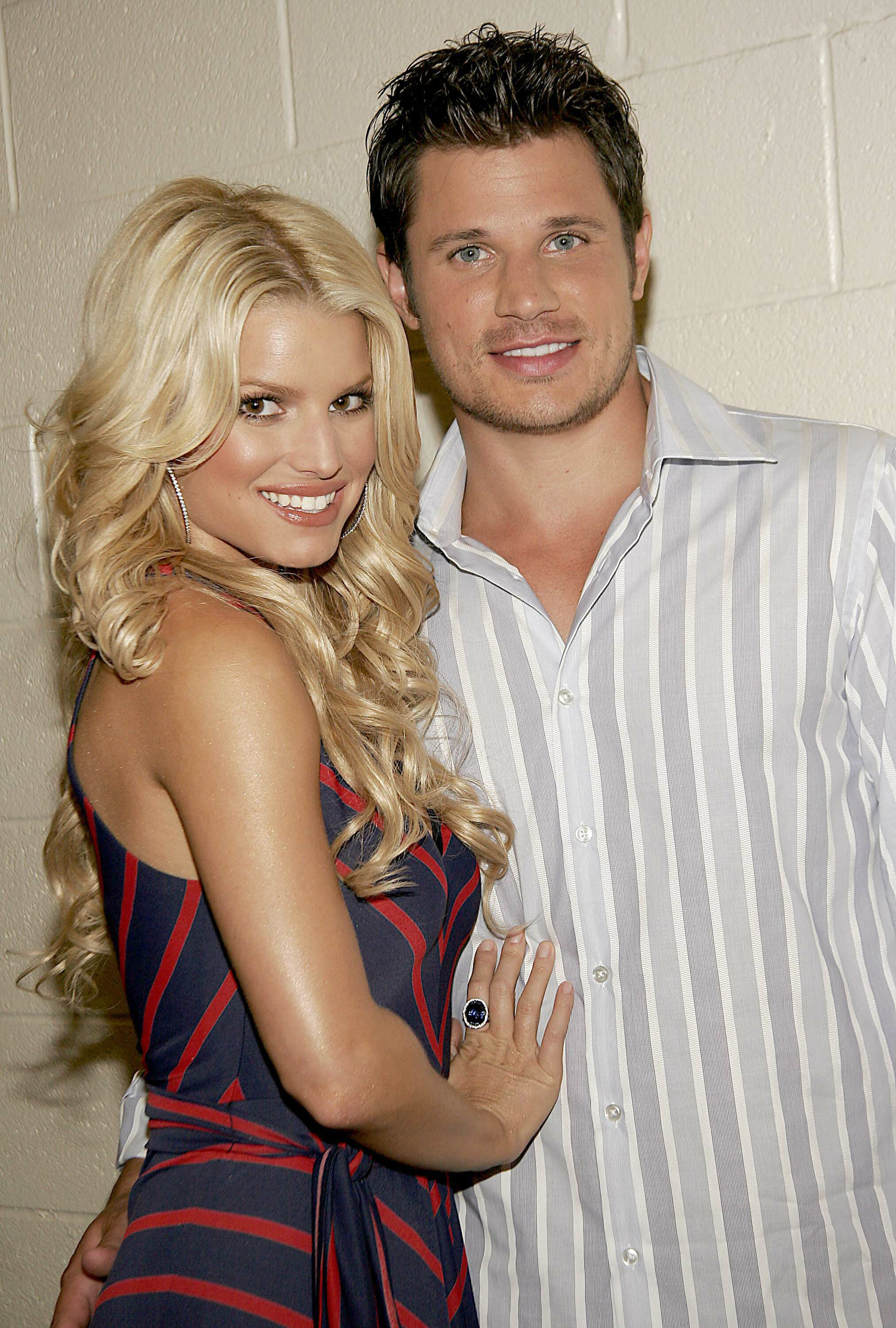 Celeb Red Carpets 22 500x741 ITS OFFICIAL Jessica Simpson and Nick